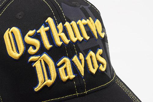 """3D-Stickerei auf Cap """"Ostkurve Davos"""" / Design von Sturmberg"""