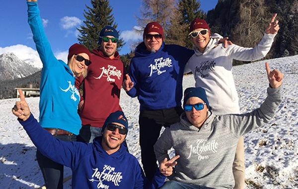 "Team ""Jatzhütte"" mit Kapuzenpullover"