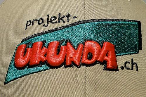 """Baseballcap mit Stickerei """"Projekt-Ukunda"""""""